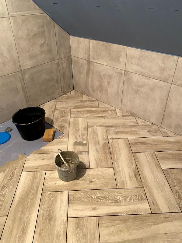 vannitoa plaatimine